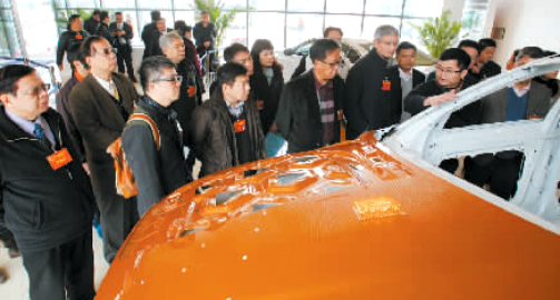 汽车产业代表企业--一汽大众成都分公司、沃尔沃成都制造厂的高清图片