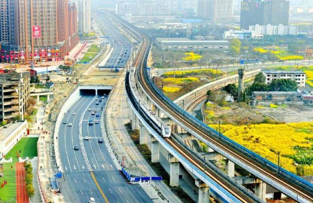 红光大道将变身双向8车道,减少6个红绿灯的等待,郫县到成都市高清图片