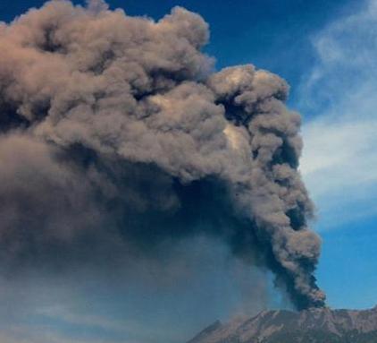 巴厘岛机场关闭2小时旅客滞留