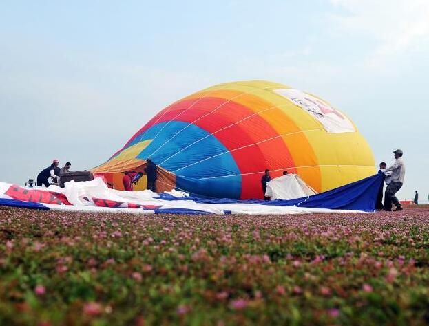 热气球在升空的整个过程中
