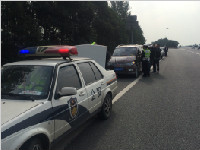 [成都]交警今日集中整治绕城高速违法行为