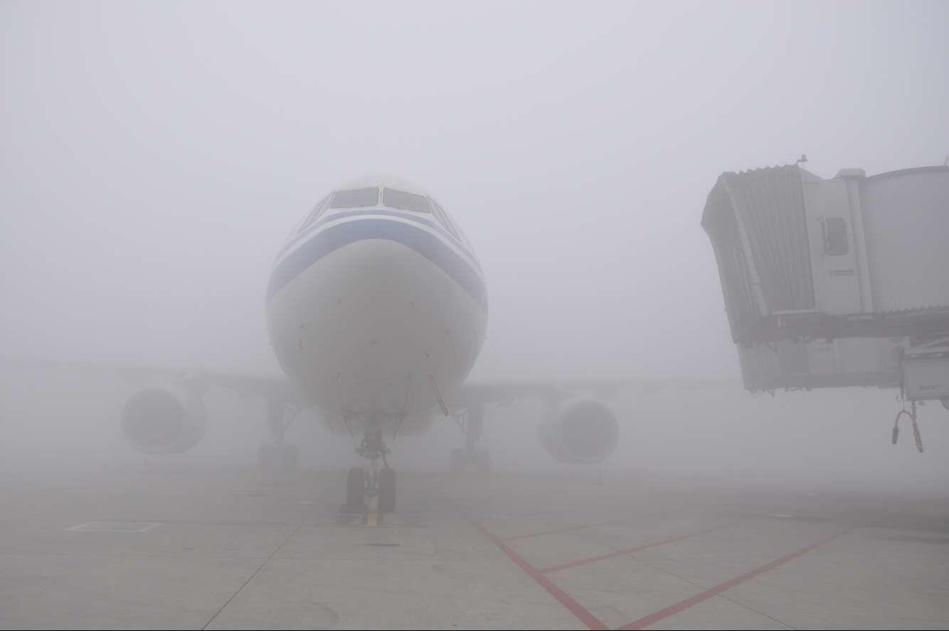 成都机场遭遇浓雾袭击