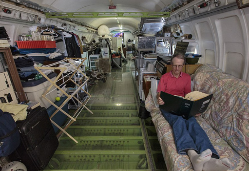坎贝尔就有了将废弃飞机改造为住宅