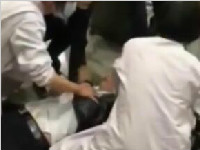中年男子机场突然倒地抽搐 过路女护士挺身而出