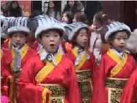 春节临近来逛大庙会 小喜神送祝福啦
