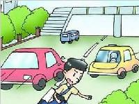 辽宁锦州一辆失控<font color=red>奔驰</font>猛撞出租车 致6死2伤