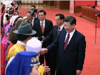 习近平等党和国家领导人出席两会少数民族代表委员茶话会