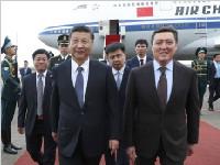 习近平抵达阿斯塔纳对哈萨克斯坦进行国事访问