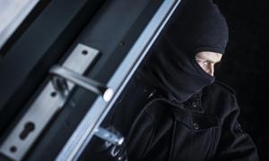 暗战:暗藏街边的贼影
