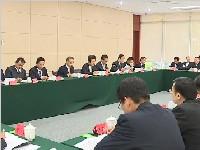 中共成都市委十三届二次全会举行分组讨论