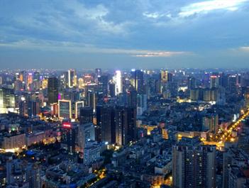 """成都荣膺""""中国最具投资吸引力城市""""榜首"""