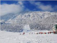 登山中途擅自离队 湖北游客被困西岭雪山