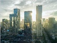 """成都新能源产业迈出新步伐 大面积""""发电玻璃""""生产线正式投产"""