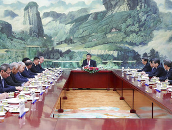 习近平集体会见外方代表团团长