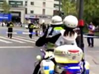 """暖心!女生体考遭遇""""成马""""交通管制 交警穿越赛道及时送考"""