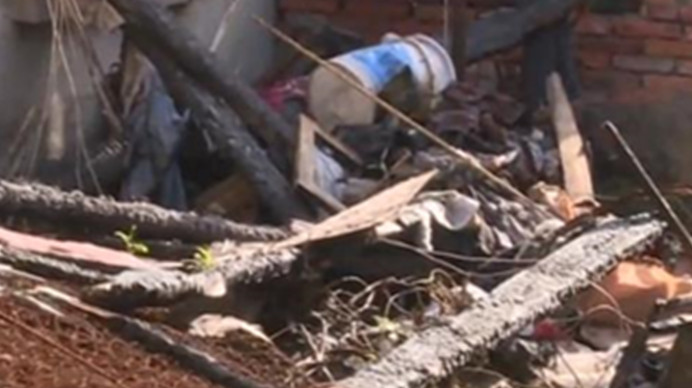 大楼被烧毁损失惨重 住户:索赔到底该找谁?