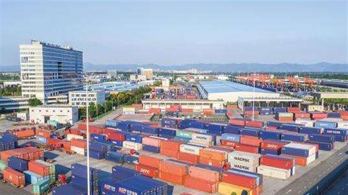 1-11月 四川外贸进出口首次突破5000亿元台阶
