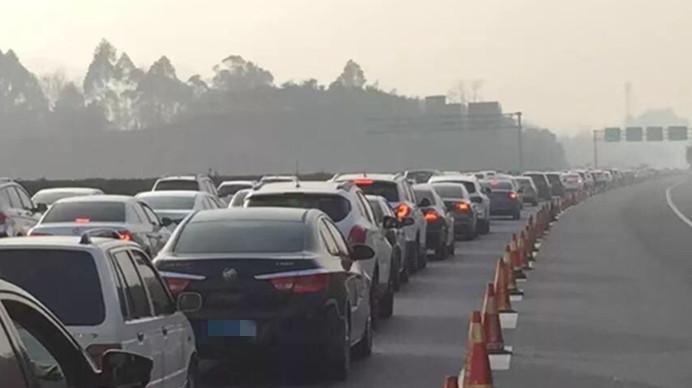 成自泸高速交警发布春运避堵攻略 4张路线图收好了