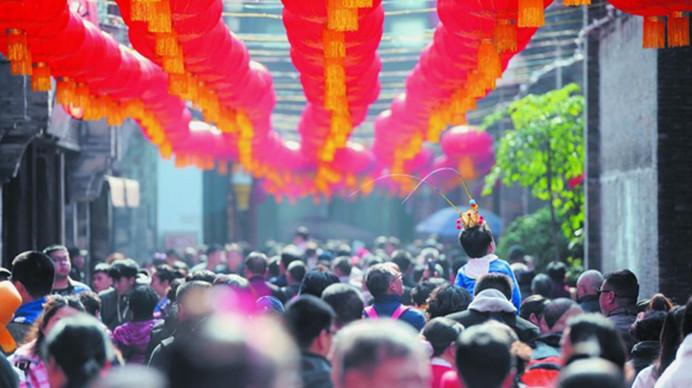 """昨日近145万游客热捧成都景区 """"这里""""人气最高!"""