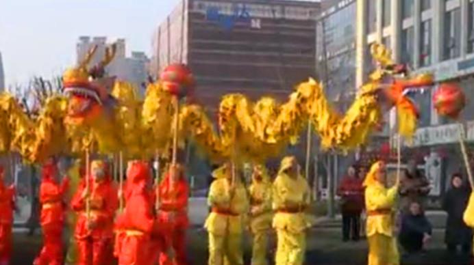 郫都区:新春民俗大巡游 欢歌笑语庆佳节