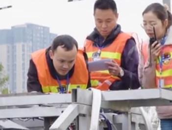 全球首台智能轨检机器正式上线测试