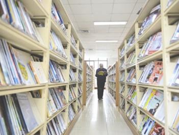 本月23日开始 成都图书馆借书可刷新版社保卡啦!