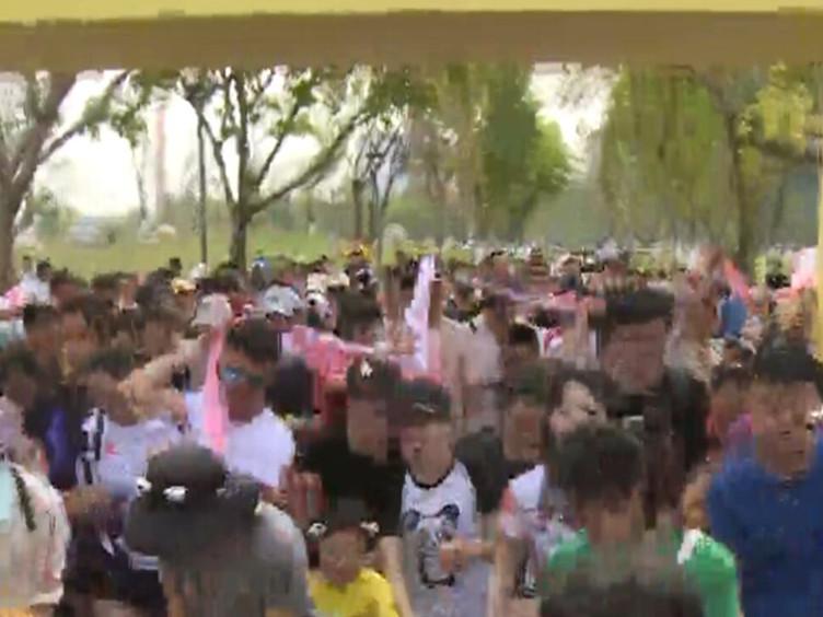 全家齐上阵 最萌马拉松在桂溪公园开跑
