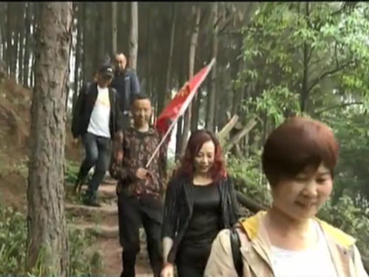 仁寿五龙山:原生态乡村游 最潮徒步营走出脱贫路
