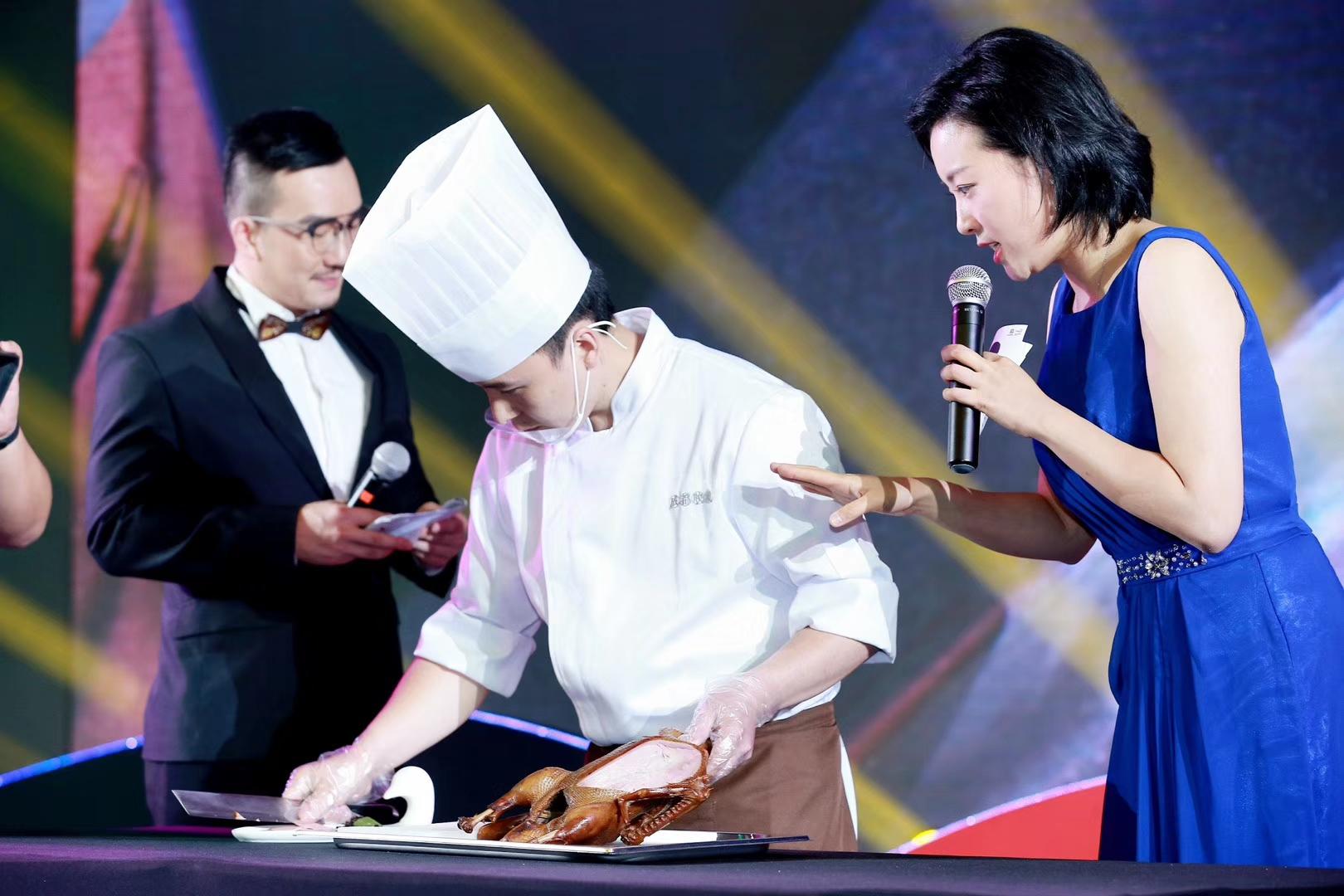 本次幸运分分彩熊猫亚洲美食节要给大家呈现的美食可不止这些,明天开始,还有更多火爆美食、亚洲国家独特美味等着大家哦。