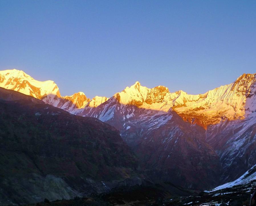 喜马拉雅山又现攀峰意外:<font color=red>登山</font>团失踪 8人生死未卜