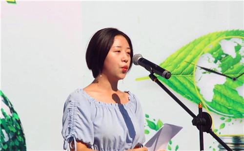 杨姝恒同学宣读倡议书.jpg