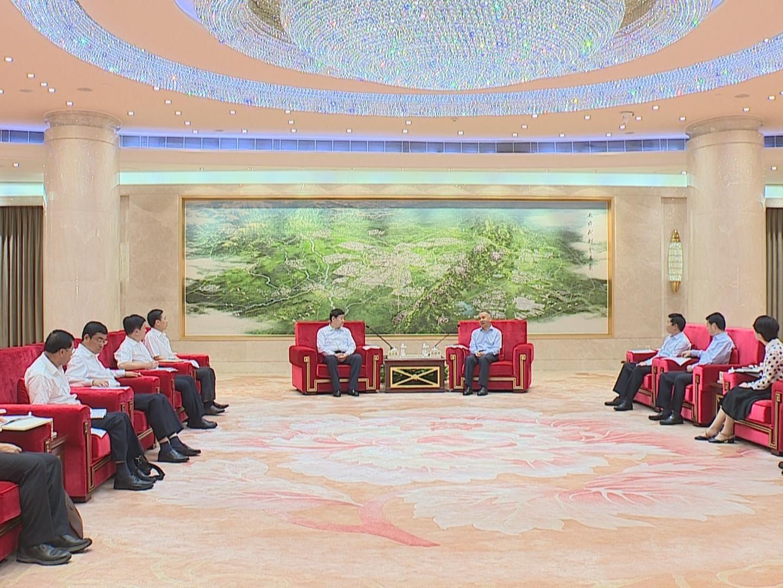 范銳平會見廣西南寧市代表團 共推西部陸海新通道建設