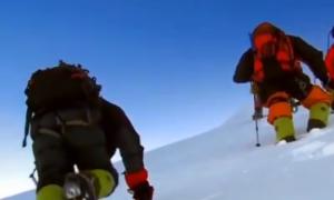 珠峰火炬护航者 解密珠峰探险路