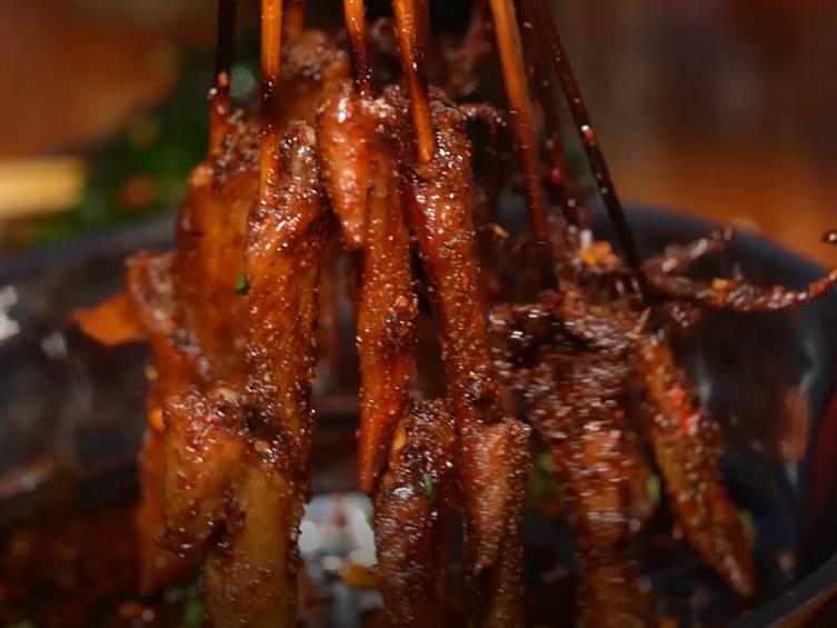 美食斗士丨传说已久的乐山矿机厂烧烤!