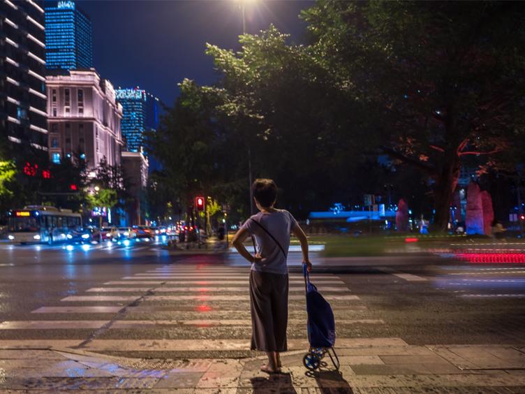 """谁是中国最会""""过夜""""的城市?"""