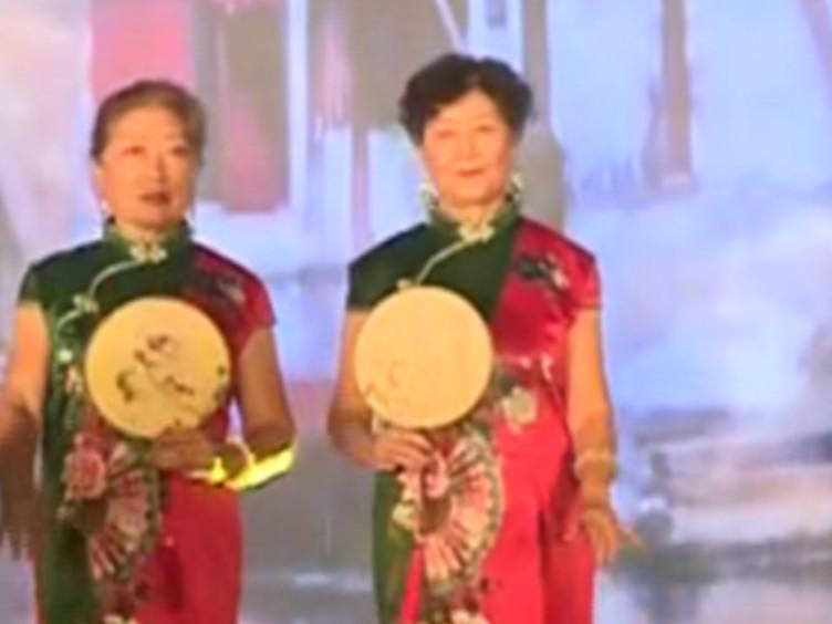 肖家河居民载歌载舞 喜迎新中国成立70周年!