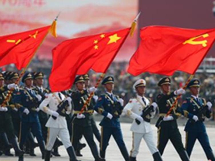 """从受阅方队到武器装备 盘点国庆70周年阅兵中的7个""""首次"""""""