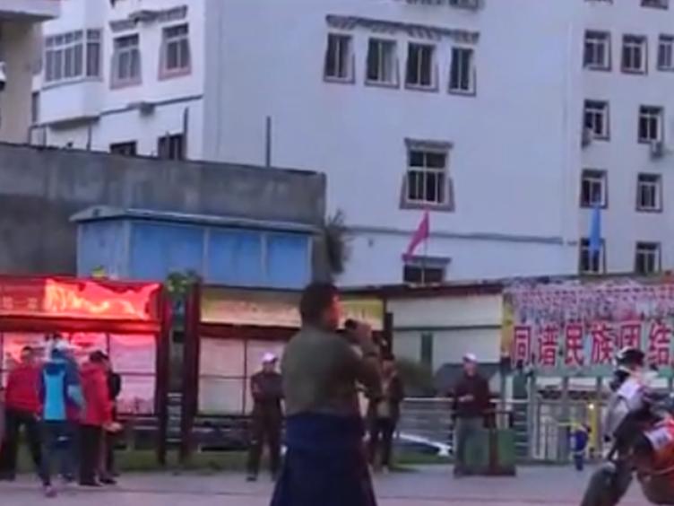 红色长征汽摩拉力赛挺进多彩黑水 黑水县文化广场举行欢迎仪式