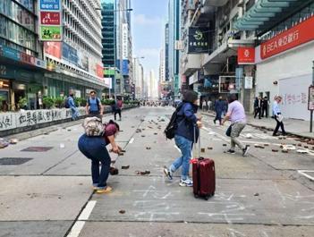 香港教育局宣布:全港学校18日继续停课