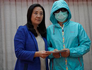 香港李伯五级烧伤,两场手术后仍未脱离危险