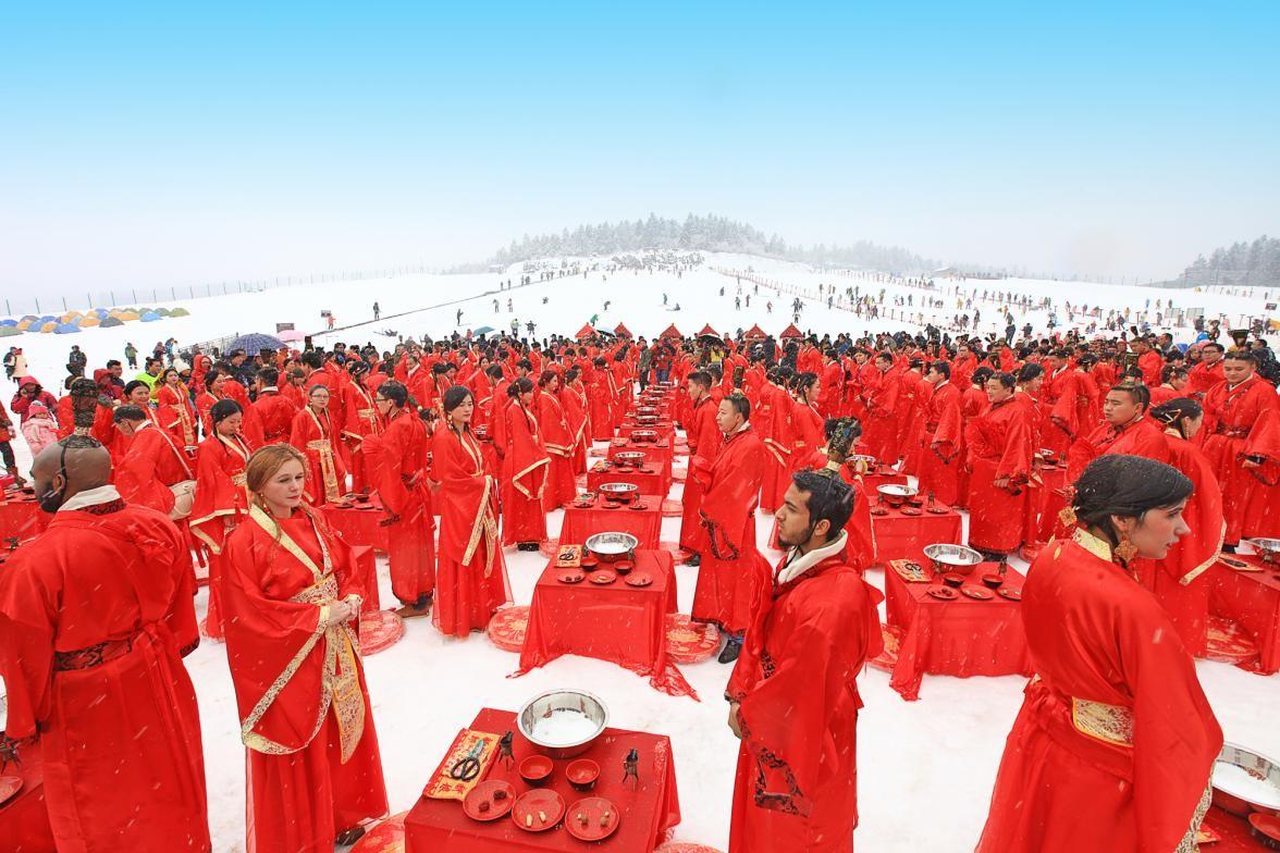 2019重庆仙女山冰雪季本周六开幕,雪地汉式集体婚礼情侣全球招募(视频)