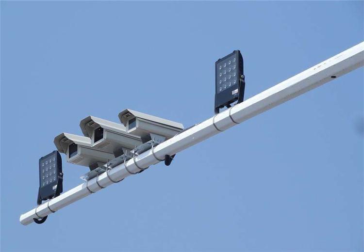 即日起 成都启动一批电子警察抓拍设备