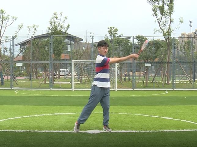 全民健身小课堂:花式柔力球训练(四)
