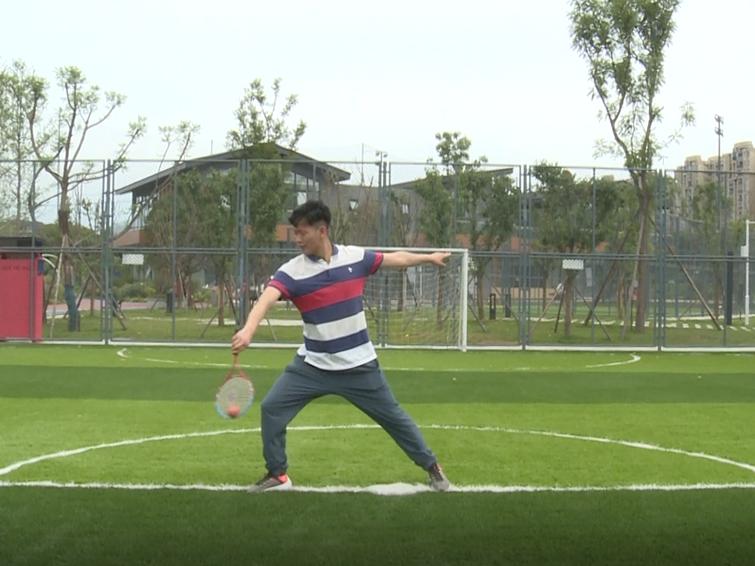 全民健身小课堂:花式柔力球训练(六)