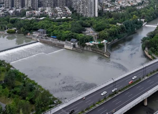 蓝天多为何空气差?高温少雨+污染排放=臭氧污染