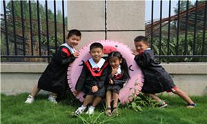 双流金桥红石幼儿园:照片穿梭机 定格童年最美时光