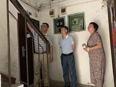 蒋红兵同志到成都高新区肖家河街道永丰社区走访调研文明城市迎检工作