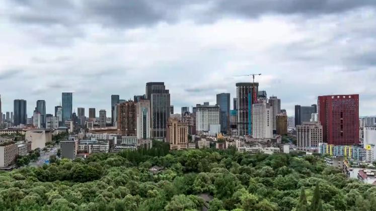 深化文明城市建设 打造文明风景线