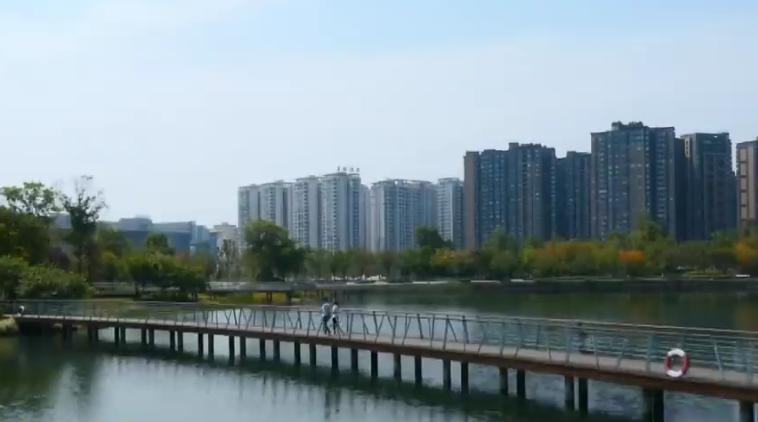 《瞭望东方周刊》 关注成都公园城市示范区建设