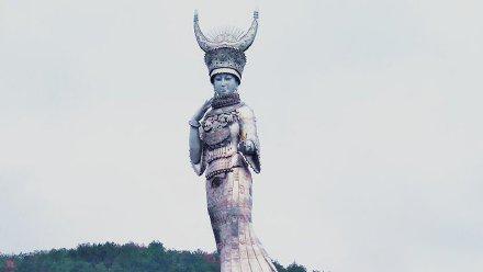 贫困县8600万建88米世界最高雕塑 资金也许没有问题 但是否存在审美原罪?